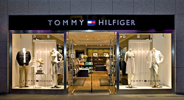 Один из фирменных магазинов Tommy Hilfiger