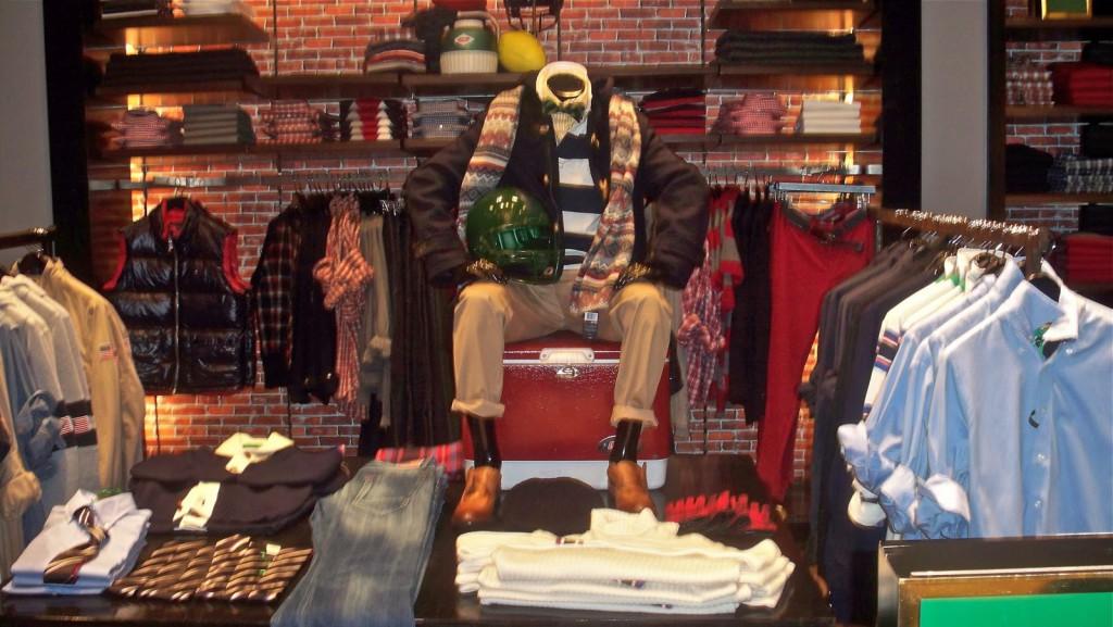 Интерьер еще одного магазина Tommy Hilfiger