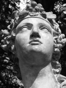 Дионис - бог виноделия и экстаза