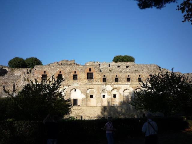 Древние Помпеи: одно из зданий