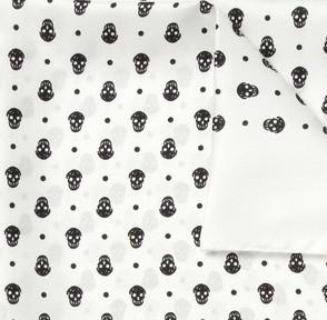 Платок с черепами от Alexander McQueen