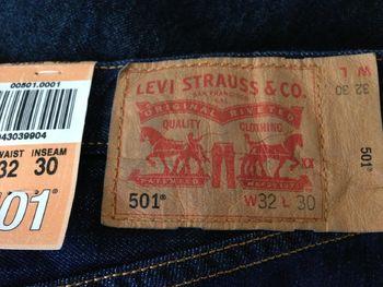 Лейбл Levi's 501