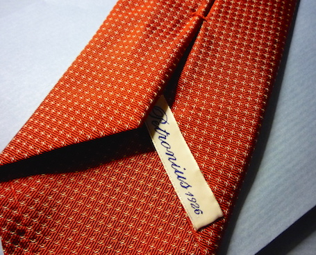 Красный галстук Petronius - самоармирование