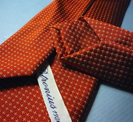 Красный галстук Petronius