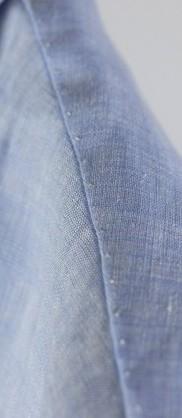 Вручную прошитое плечо на рубашке G Inglese
