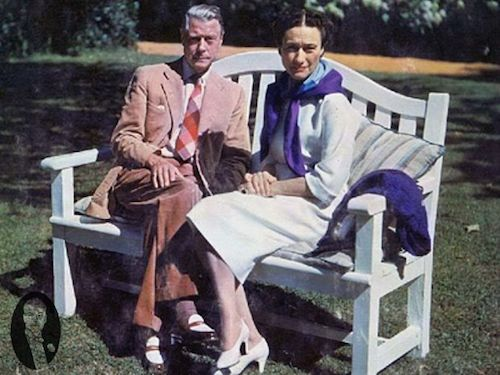 Герцог Виндзорский в двухцветных лоаферах