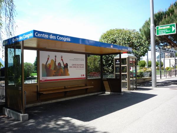 Автобусная остановка в Монтре