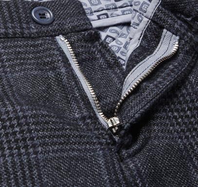 Мужские брюки с оригинальной подкладкой