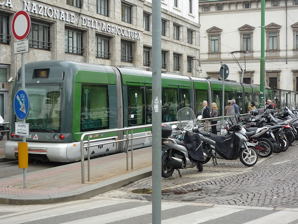 Milano_new_tram1