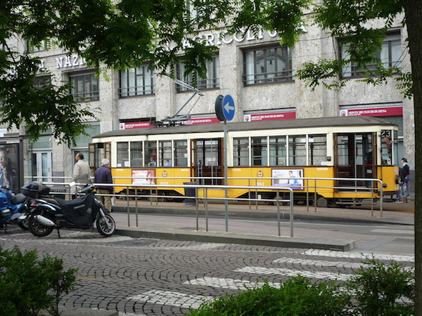 Milano_old_tram2