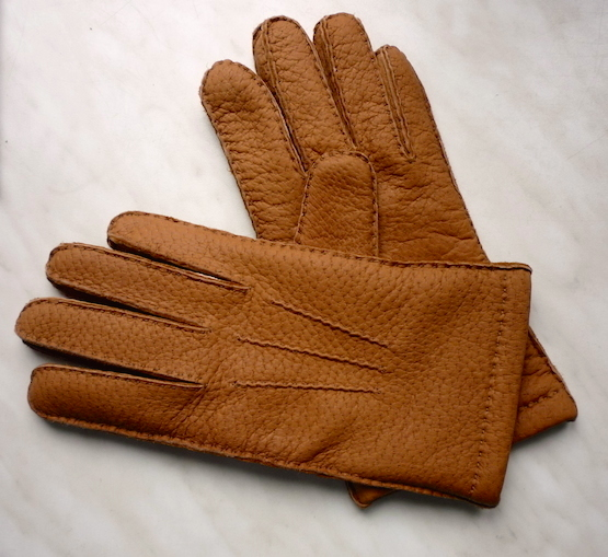 Merola_gloves0
