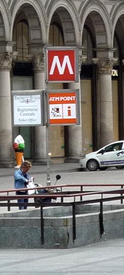 Sign metro