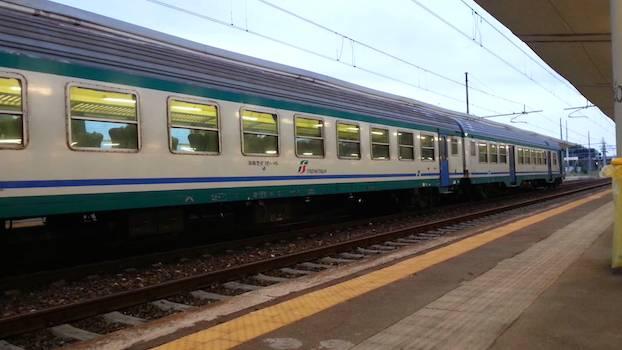 Treno-regionale-exterior