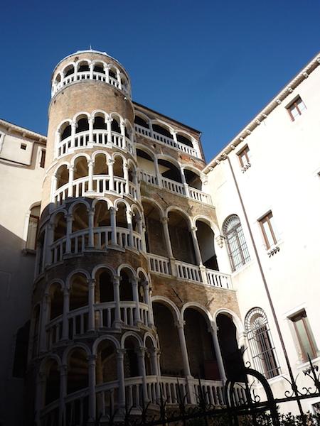 Palazzo_Contarini_del_Bovolo1