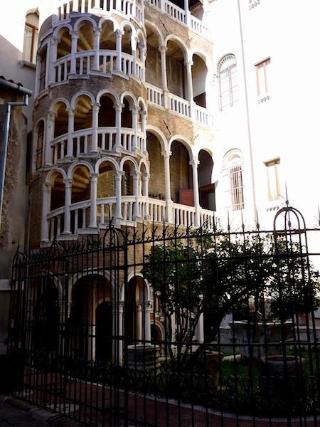 Palazzo_Contarini_del_Bovolo2