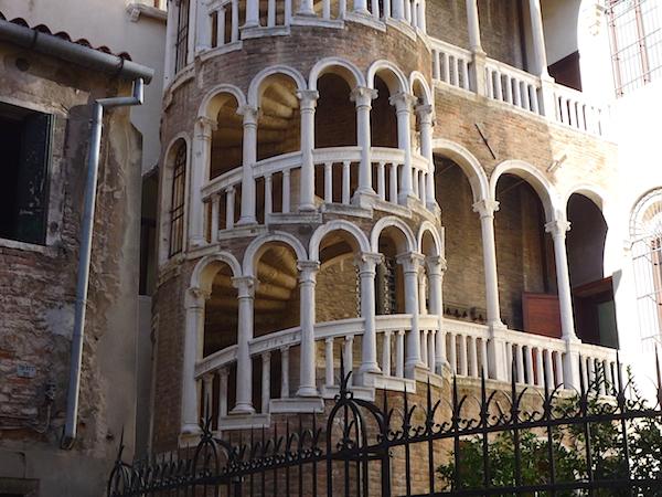 Palazzo_Contarini_del_Bovolo3