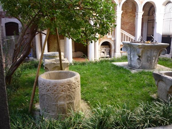 Palazzo_Contarini_del_Bovolo4