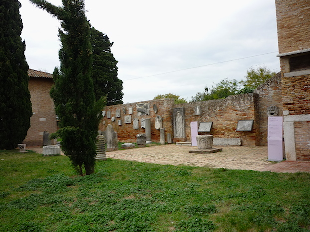 Museum_square_exhibition_Torcello