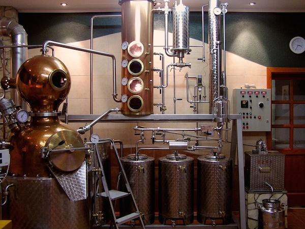 Оборудование венгерской винокурни Brill, с помощью которого делают палинку