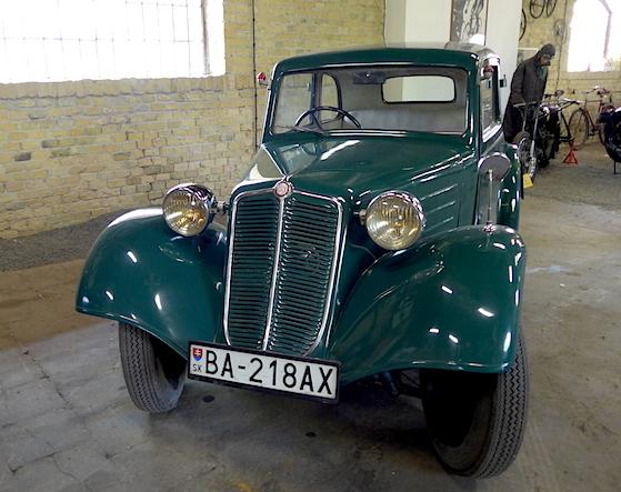 Old-auto_Bra