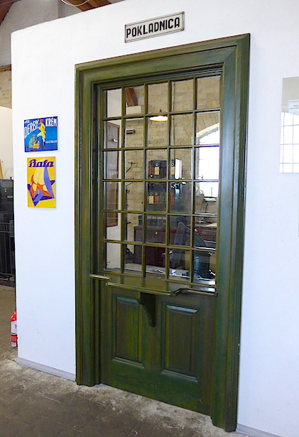 Pokladnica-okno