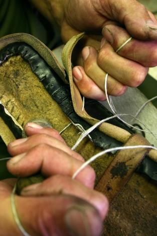Пришивание ранта вручную - Rozsnyai