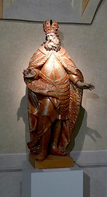 wooden-sculpture-Bratislava