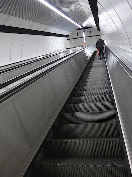 Венское метро - эскалатор
