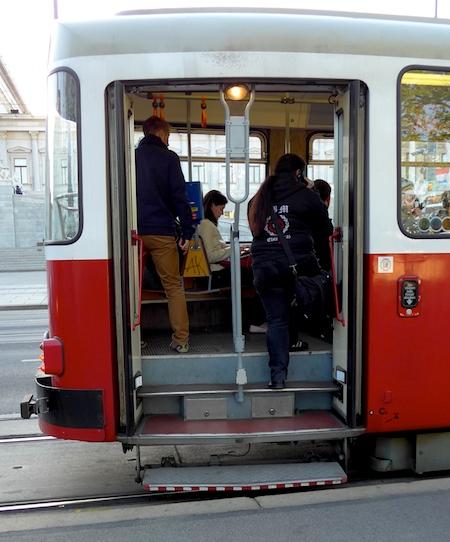 Old-Wien-tram1