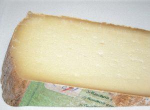 Raschera-slice