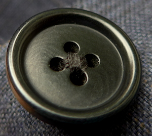 Dark-corozo-button