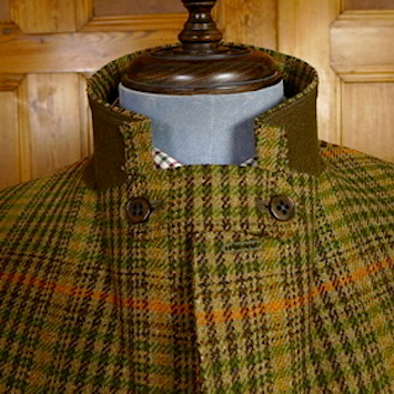 Ghillie-collar-tweed