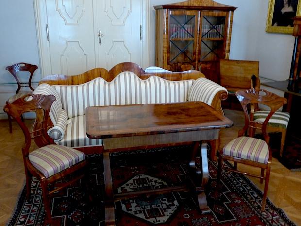 Мебель эпохи бидермейер
