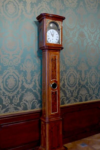 Часы в братиславском музее интерьеров