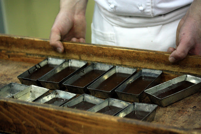 Modica-chocolate-making1