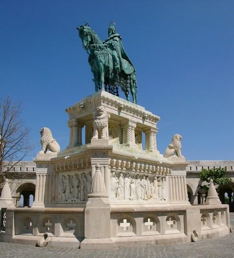Статуя Святого Стефана (photo by Andreas Poeschek)