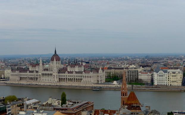 Вид на будапештский парламент