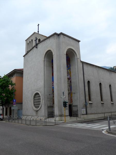 Тренто - современная церковь