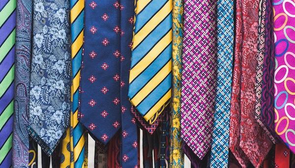 английские разноцветные галстуки