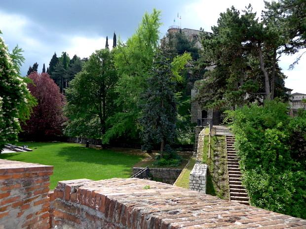 Castello_di_Brescia-walls