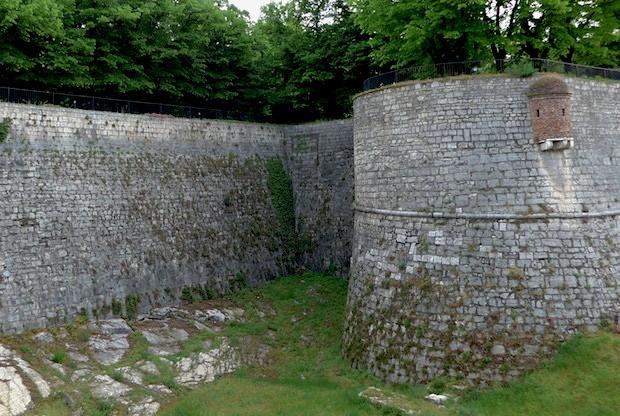 стены брешианского замка