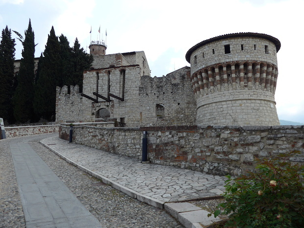 Замок Брешии - подъёмный мост