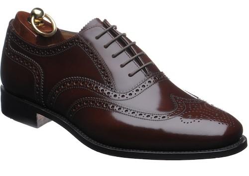 Спилок - полированная кожа на туфлях