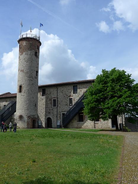 Башня Мирабелла в замке Брешии