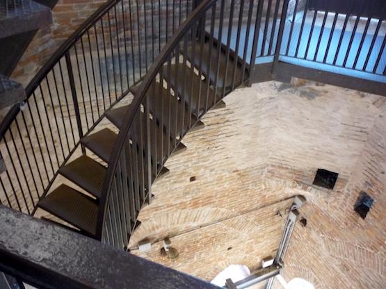 Башня Ламберти - лестница