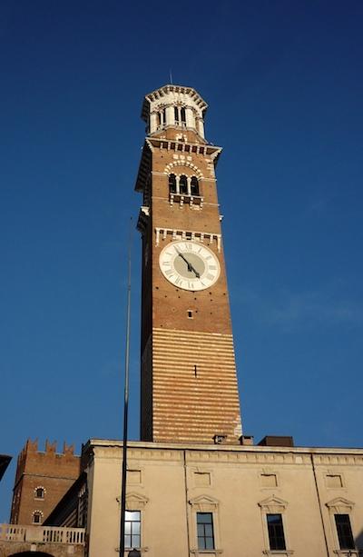 Часы на башне Ламберти