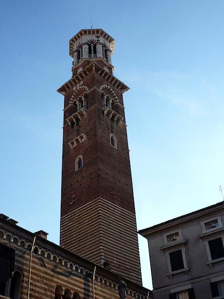 Башня Ламберти в Вероне
