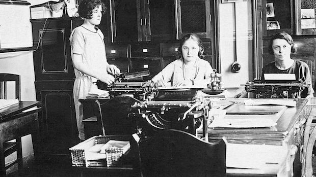 Фото 1929 года - работники Vitale Barberis Canonico