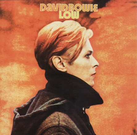 1977 - дафлкот на обложке альбома Боуи