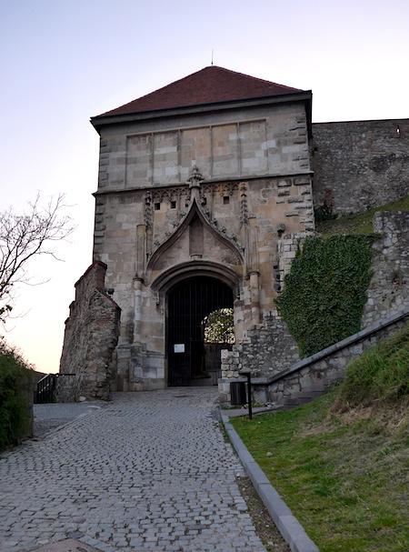 Братиславский замок - ворота Сигизмунда